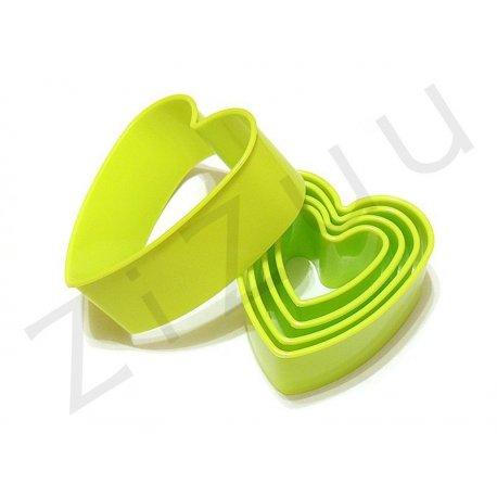 Stampi coppapasta tagliabiscotti a cuore in plastica per dolci (5pz)
